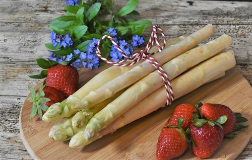 healthy cooking for spring, U.P. holistic wellness publication, U.P. holistic business, spring veggies